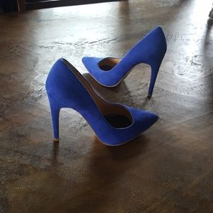 Perfect condition F21 blue faux suede pump 7